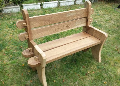 Rustic bench in Oak